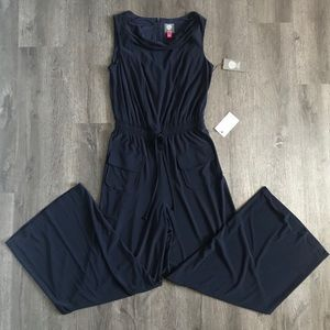 (NWT) Vince Camuto  sleeveless Navy jumpsuit  (S)
